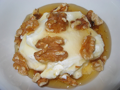 Greek Yogurt with Walnuts and Honey