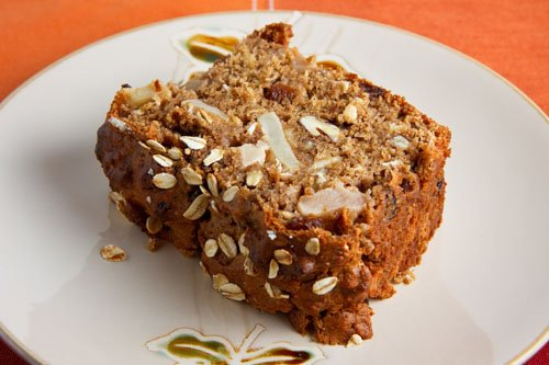 Apple and Cinnamon Oatmeal Bread