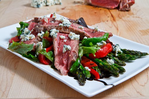 Black and Blue Steak Salad with Asparagus and Red Peppers