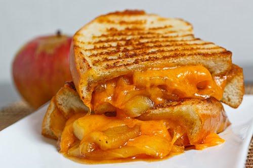 Apple Pie Grilled Cheese Sandwich