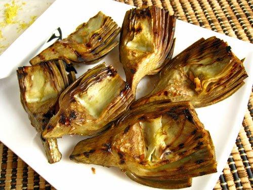 Grilled Artichokes with Lemon Aioli