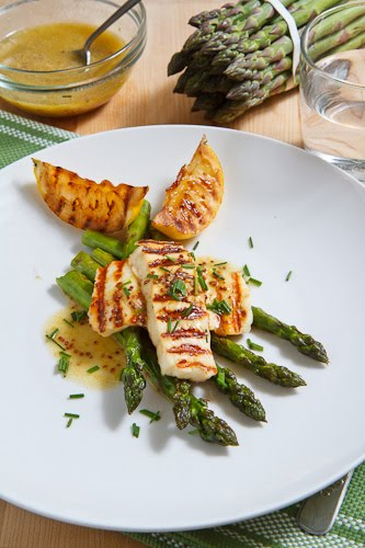 Grilled Asparagus and Halloumi Salad