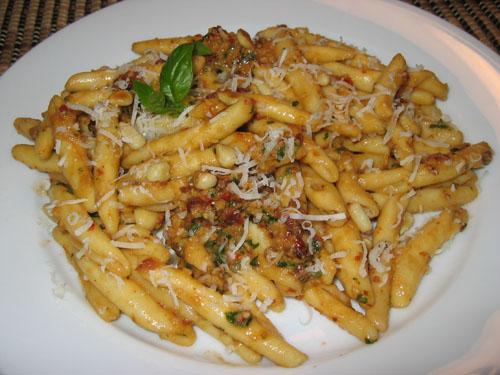 Maccheroni Calabrese alla Oven Dried Tomato Pesto