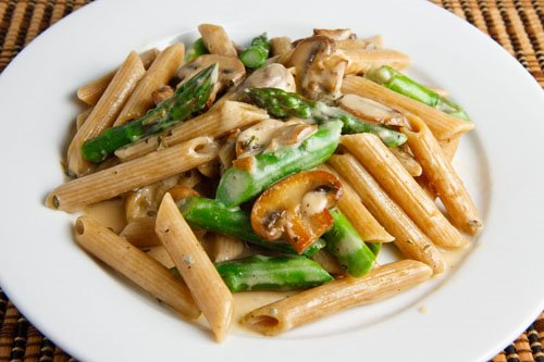 Penne with Asparagus and Mushrooms in a Gorgonzola Sauce