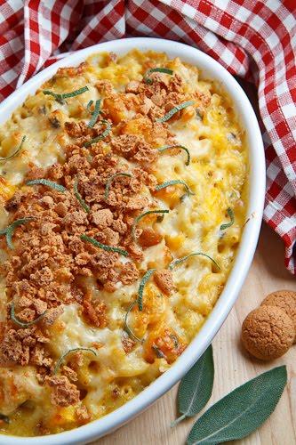 Pumpkin Mac n Cheese with Amaretti Crust