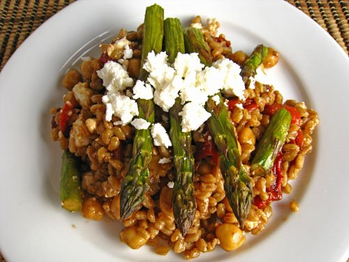 Roasted Asparagus and Red Pepper Farro Salad