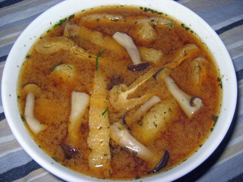 Shimeji and Aburage Miso Soup