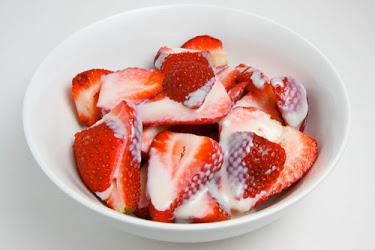 Strawberries in Sweetened Condensed Milk