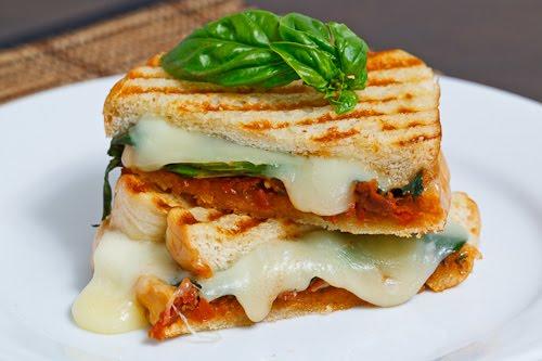 Sundried Tomato Pesto Grilled Cheese Sandwich