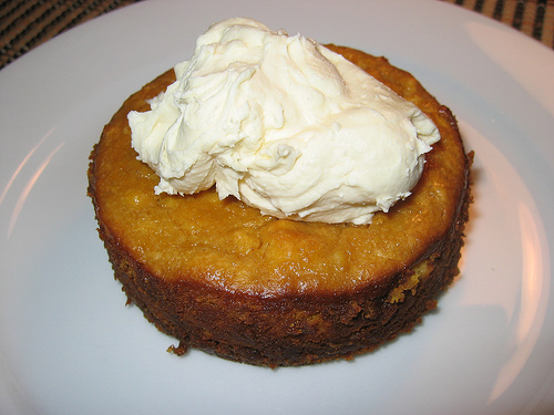 Pumpkin Cheesecake with Maple Mascarpone Cream