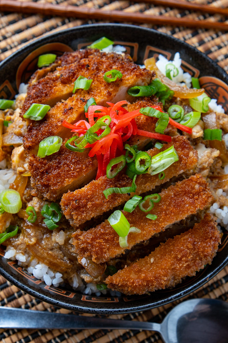 Katsudon (Japanese Pork Cutlet Rice Bowl)
