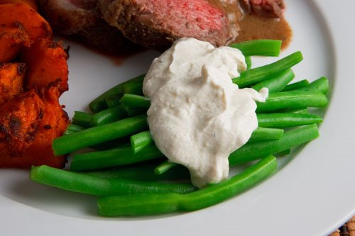 Green Beans in Tahini and Yogurt Dressing