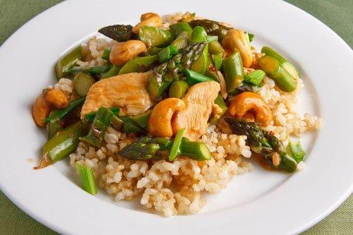 Asparagus and Cashew Chicken Stir-fry