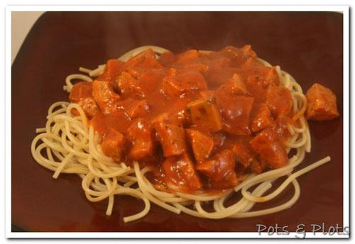 Mozzarella and Roasted Garlic Sausage Spaghetti