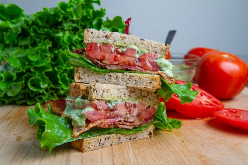 BLT (Bacon Lettuce and Tomato Sandwich)