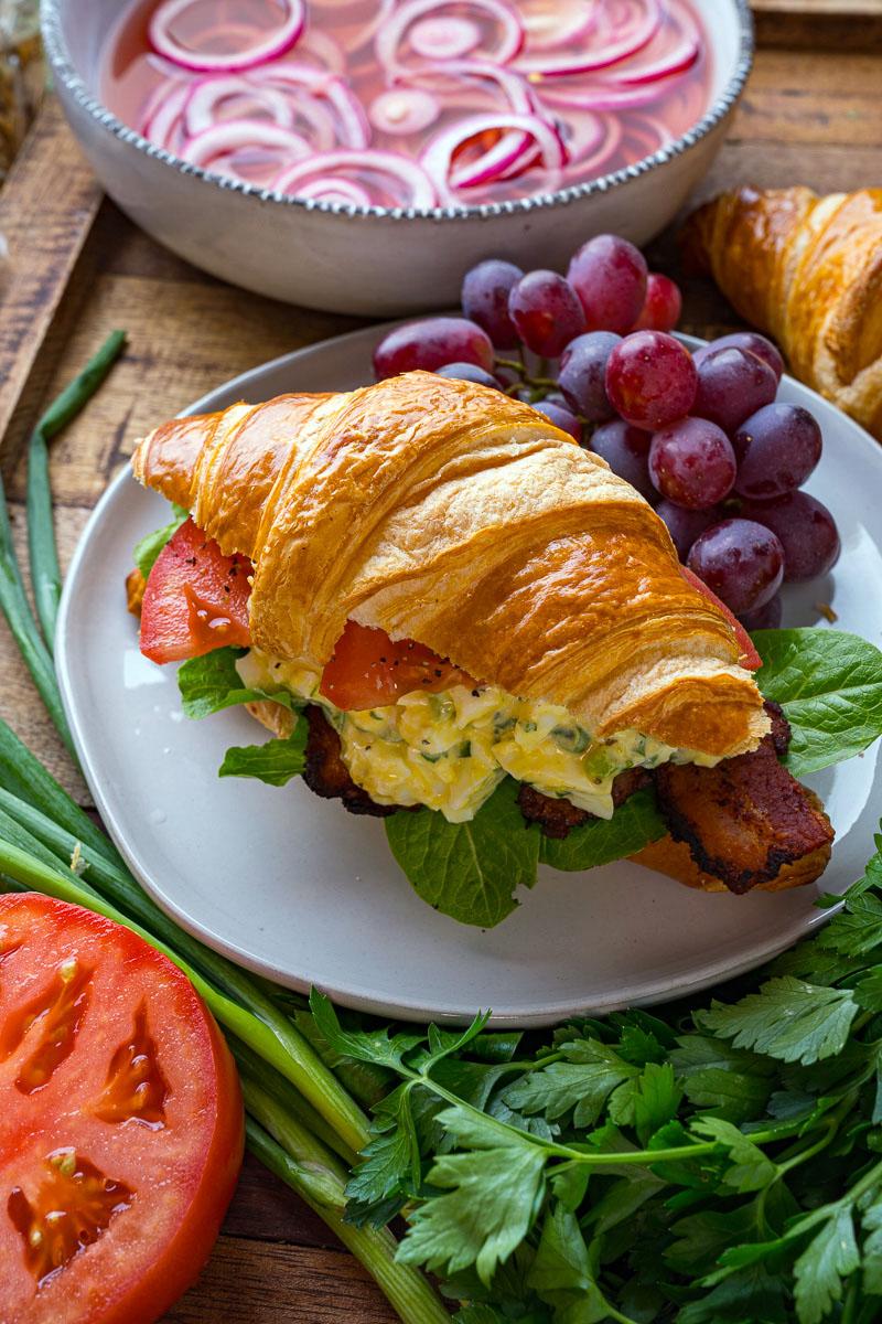 Bacon Egg Lettuce Tomato Sandwich (aka BELT Sandwich)