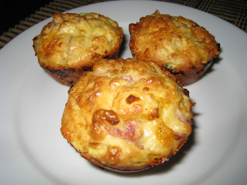 Cottage Cheese and Egg Muffins with Ham and Cheddar Cheese