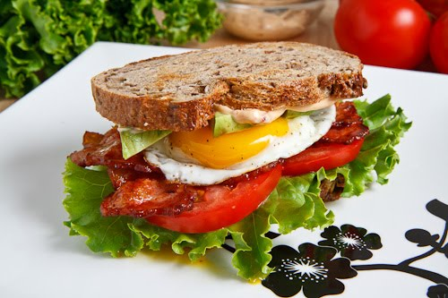 Avocado BLT with Fried Egg and Chipotle Mayo