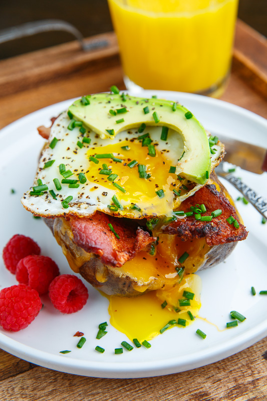 Slow Cooker Breakfast Baked Potatoes