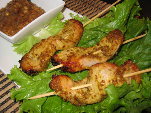 Moo Satay (Pork Satay) with Peanut Sauce