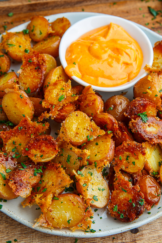 Easy crispy parmesan garlic roasted potatoes