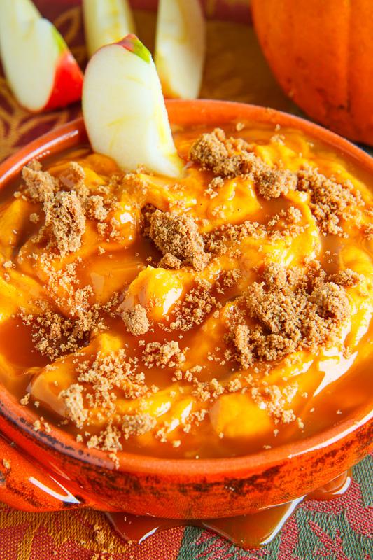 Caramel Pumpkin Cheesecake Dip