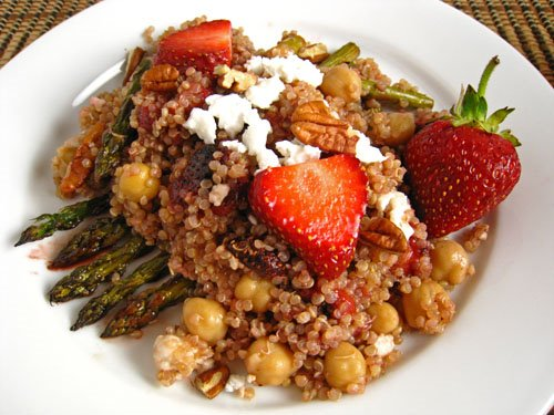 Roasted Strawberry and Asparagus Quinoa Salad