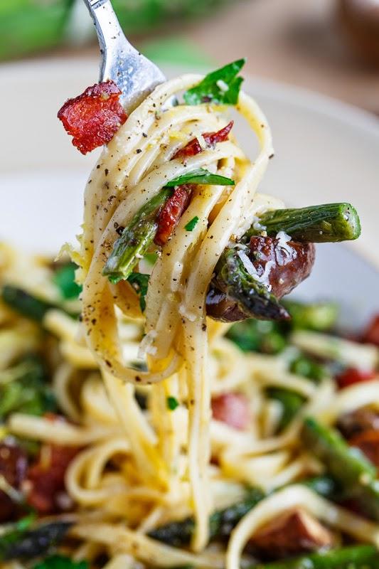 Roasted Asparagus and Mushroom Carbonara Recipe