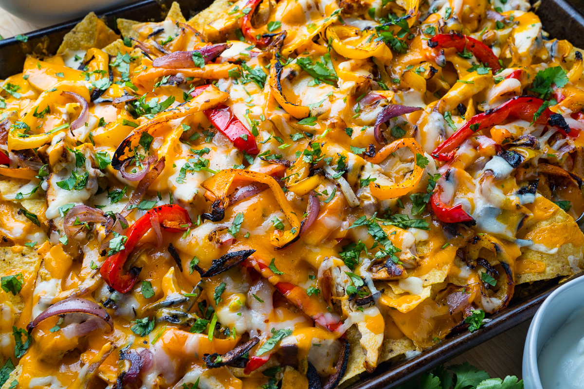 Sheet Pan Chicken Fajita Nachos